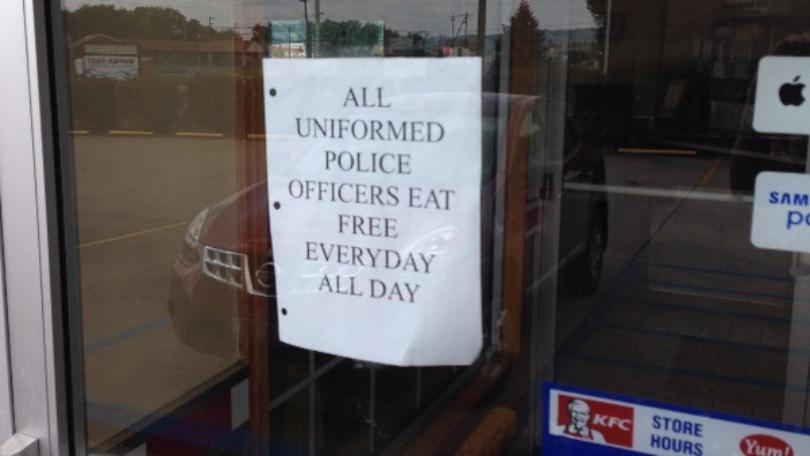 Policeeatfree2.jpg - KFC In Ohio: 'All Uniformed Police Officers Eat Free Everyday All Day'