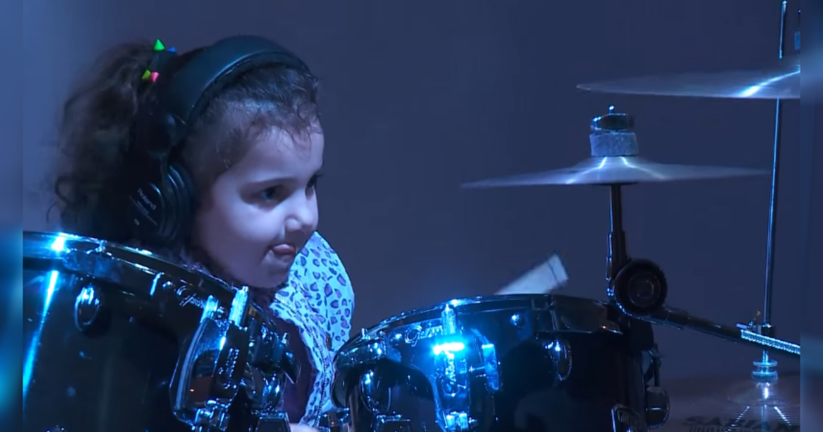 young drummer on stage 1.jpg - 5-Year-Old Drummer Surprised The Audience With Her Performance On Huge Drum Set