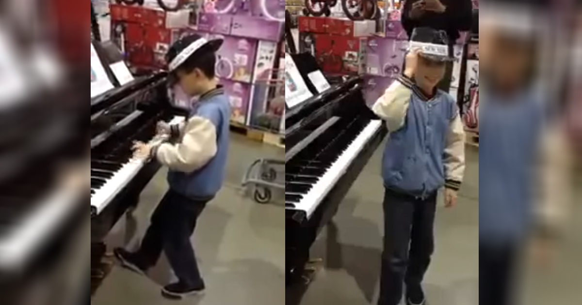 piano in toystore.jpg - Young Boy Delivered Piano Performance Beyond His Years In The Middle Of Toy Store