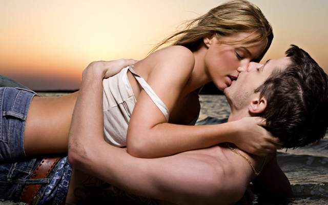 romantic kissing scene wallpaper hd free download for facebook cover.jpg - 【恋愛】キスするときってどうして目を閉じるの?
