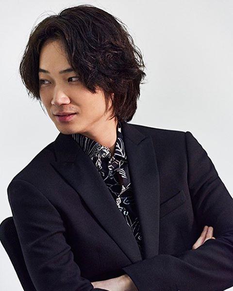 7 3.jpg - 綾野剛の歴代彼女に橋本愛や戸田恵梨香の名前が??