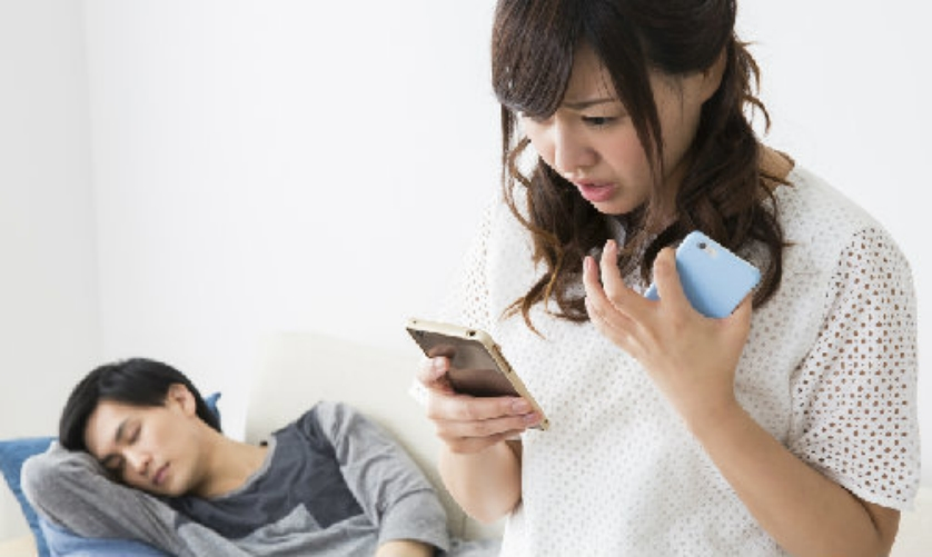 1 22.jpg - [携帯電話だけ見ても分かる?]...彼氏の浮気疑惑を確認する方法