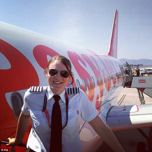 38c5c4fa00000578 3806882 image a 9 1474838877247.jpg - The World's Youngest Plane Captain At The Age of 26