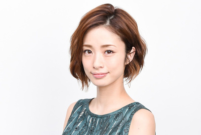 1 163.jpg - ショートヘアの髪型がかわいいと評判の上戸彩! どんな髪型でも似合う?
