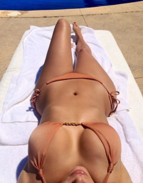2 instagram e1511280184648.png - Kim Kardashian's 'New' Bikini Photo Gets Numerous Comments From People Online
