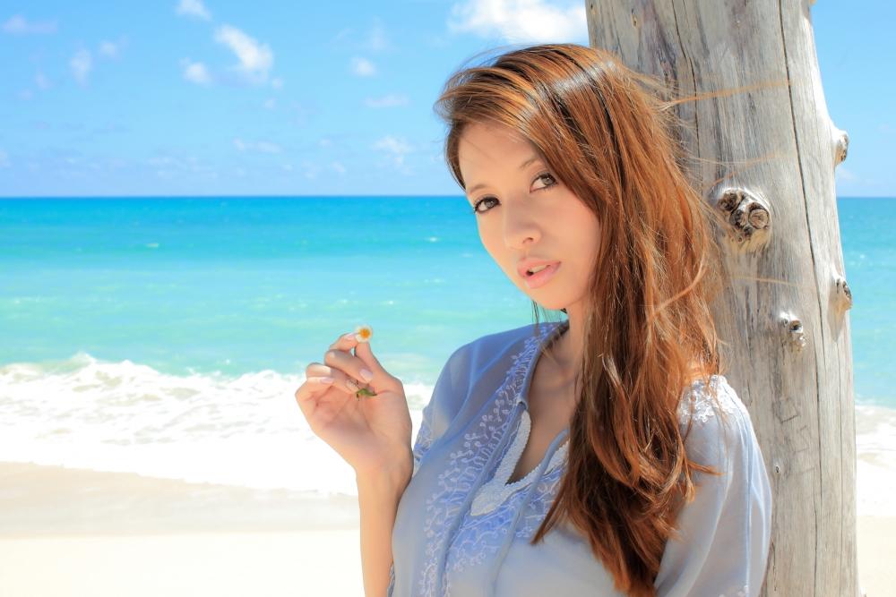 375894.jpg - 吉川ひなのさんは、抜群のスタイルを誇るタレントとして有名