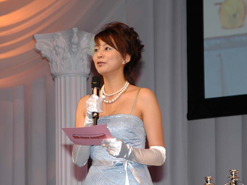 bue2 03.jpg - 日テレを卒業した女子アナの今…夏目三久、西尾由佳理、柴田倫世など