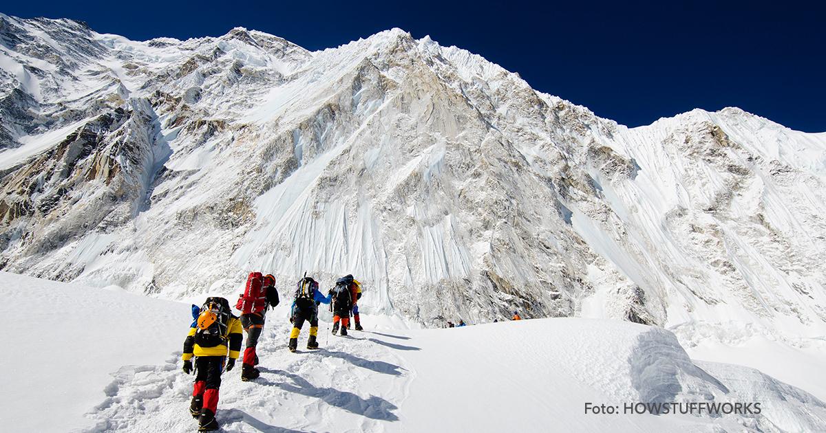 cover3 1.jpg - En el Everest hay más de 150 cadáveres abandonados que ahora sirven como puntos de referencia