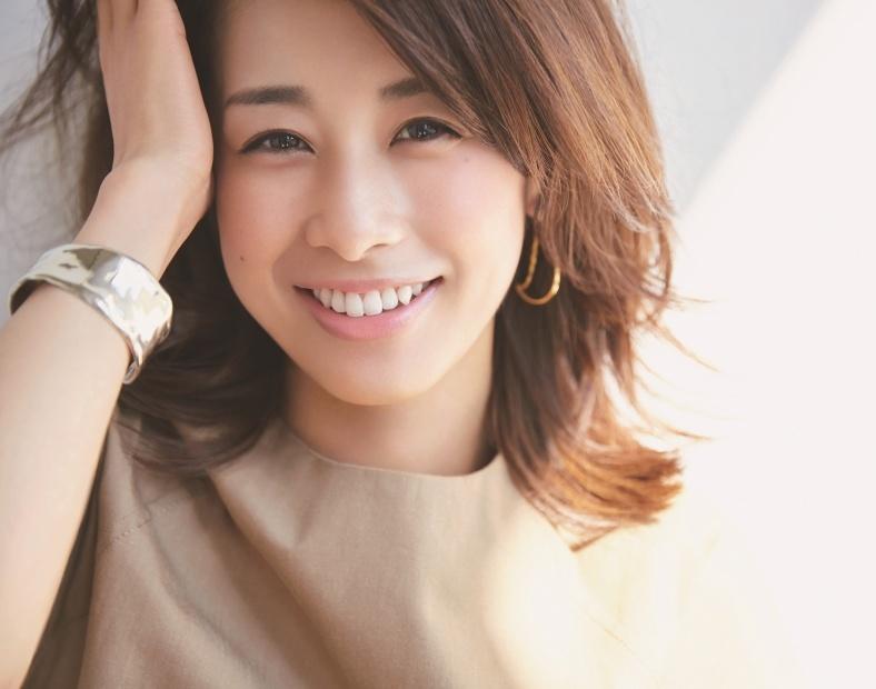 e58aa0e897a4e7b6bee5ad90.jpg - 音大出身でフリーアナウンサーとして活躍している加藤綾子さん
