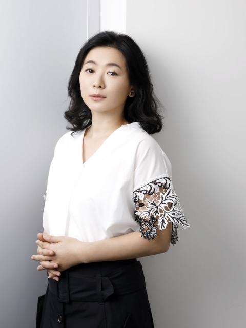 img 5a15a45d424b1.png - 今や国際派女優として生きる裕木奈江さんに迫る
