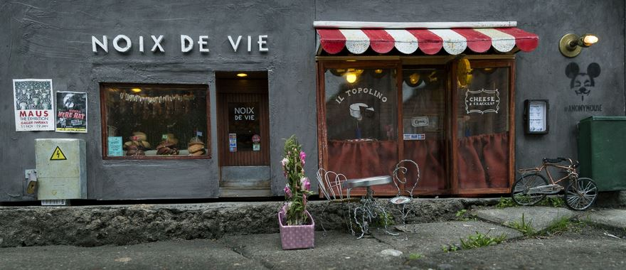 little mouse shop sweden 6.jpg - Anonymouse Shops For Mice Are Opened In Sweden