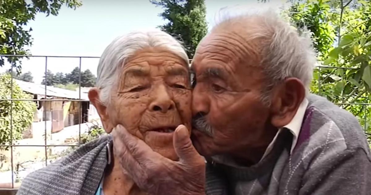 cover 29.jpg - Este matrimonio cumplió 81 años de casados y continúan amándose como cuando eran jóvenes.