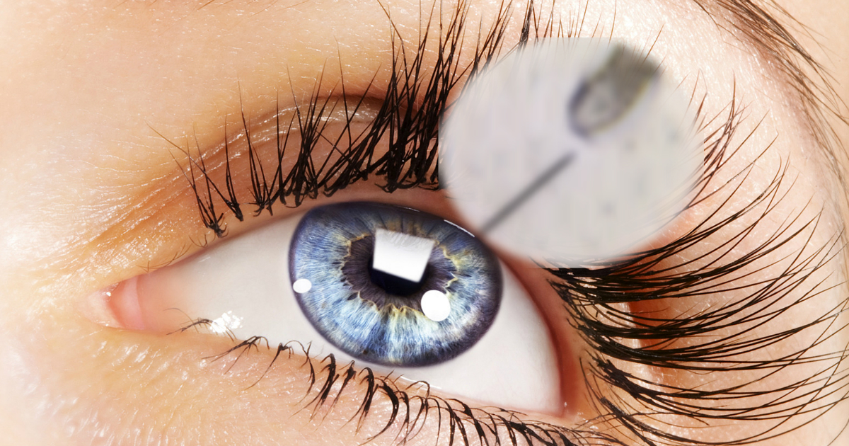 Woman Visits Doctor For Her Eye After 2 Years Of Itch Small Joys