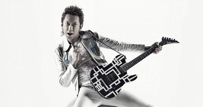 hotek1.jpg - 布袋寅泰さんのギターが世界を駆け巡っています