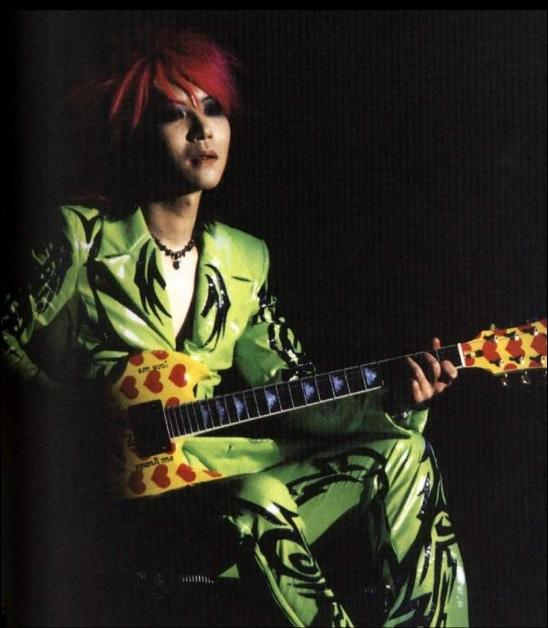 img 5a30e7d529dee.png - x japanのギターリストhideの死因とは