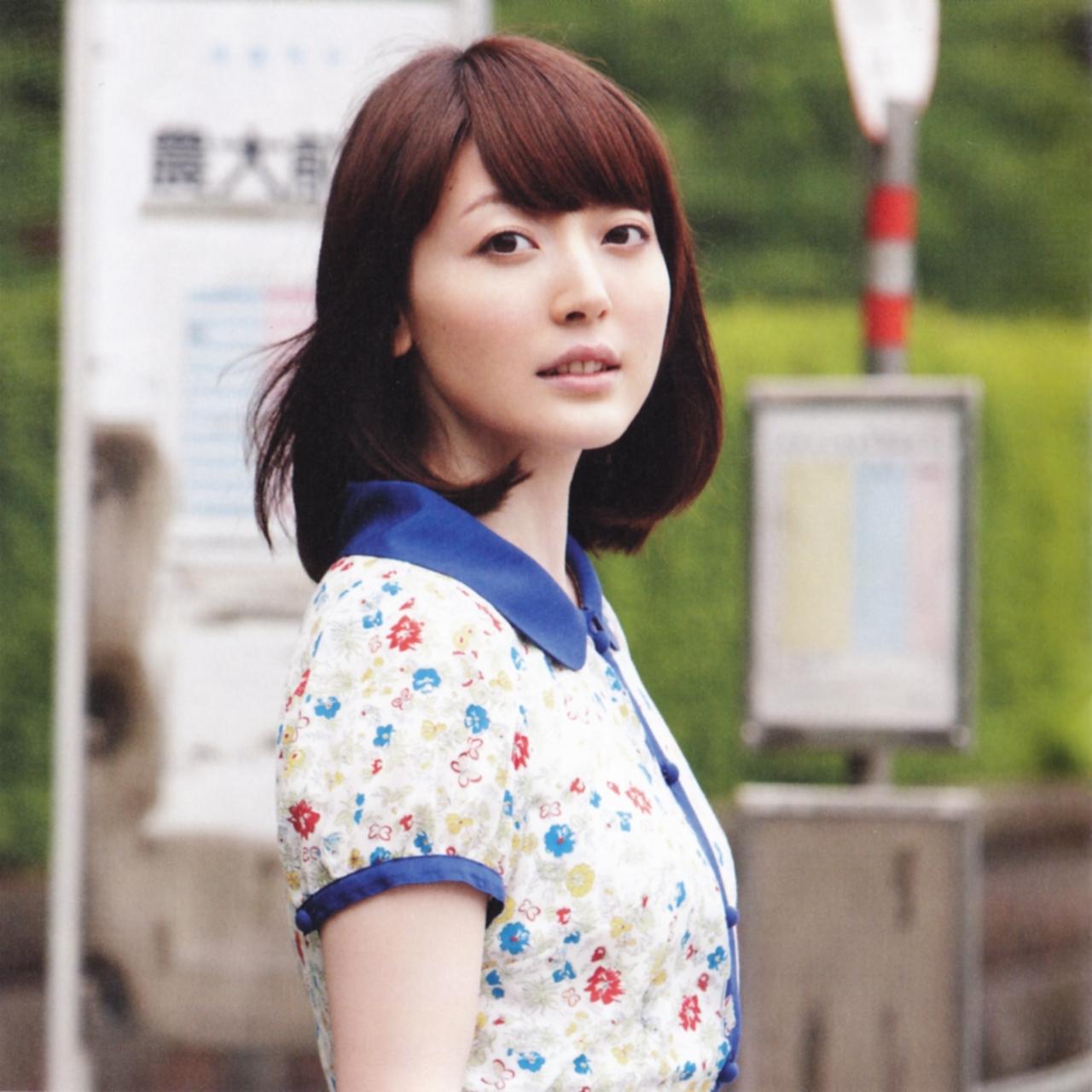 popular voice actor hanazawa image full.jpg - 実は貧乳!?大人気声優の花澤香菜のあれこれ