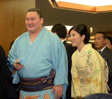what kind of person is shikapens wife about marriage mrg15052905040003 p1.jpg - 白鵬の妻はどんな人?結婚に関するあれこれ
