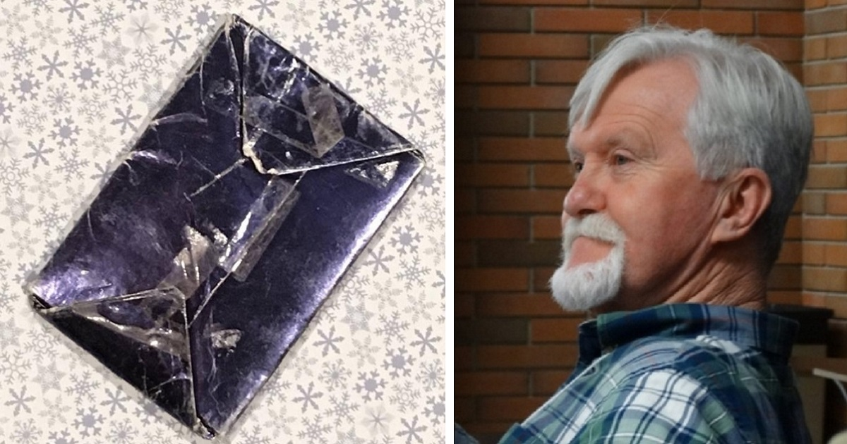 6hu.jpg - A Man Who Refused To Unwrap Christmas Gift That He Got From His Ex-Girlfriend 48 Years Ago