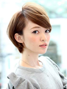 dddfb6e815e9ae507956f2a2c51a210f.jpg - 季節によっておすすめの髪型は異なる!夏の髪型を作るポイント