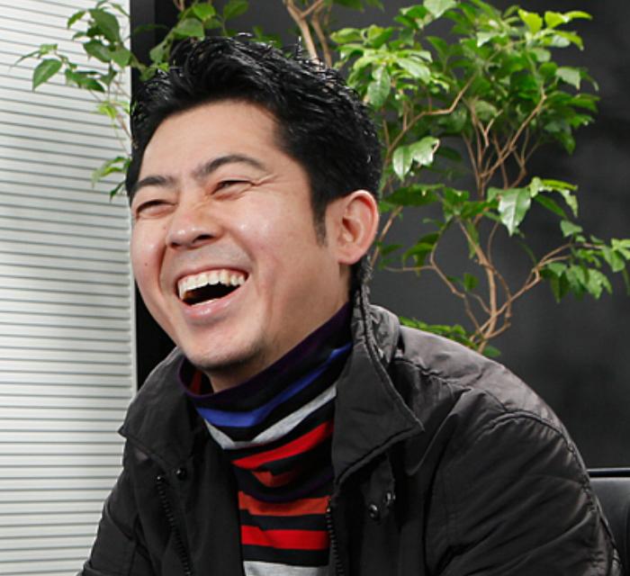 売れっ子放送作家の高須光聖の年収について。高須光聖が手掛けたバラエティ番組について。高須光聖はダウンタウンと同級生。ダウンタウンと高須光聖が生まれ育った尼崎高須光聖が放送作家として成功するまでの道のり。バラエティ界を支えてきた高須光聖の企画力。