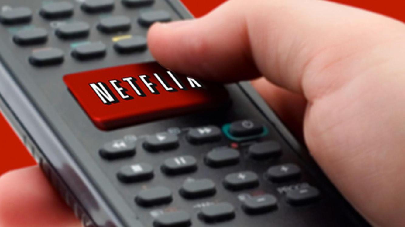 """netflix remote.jpg - Segundo estudo da Netflix, brasileiro está """"trocando"""" novelas das 21h por séries"""
