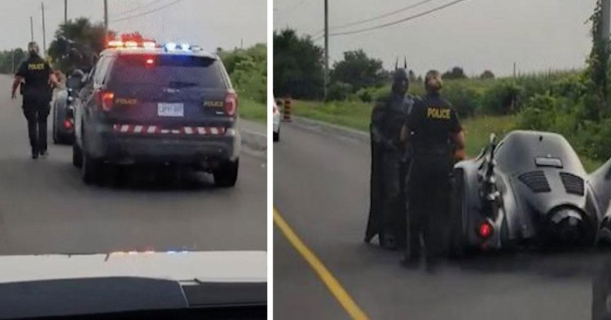 batman canada pull over police.jpg - 경찰이 '배트카'를 타고 운전하는 배트맨을 멈춰 세운 '진짜' 이유 (영상)