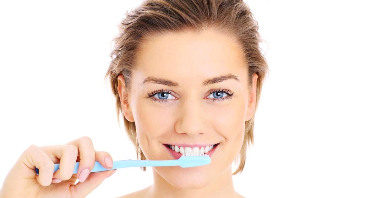 1 226.jpg - 10 Formas de eliminar las manchas de sarro en tus dientes