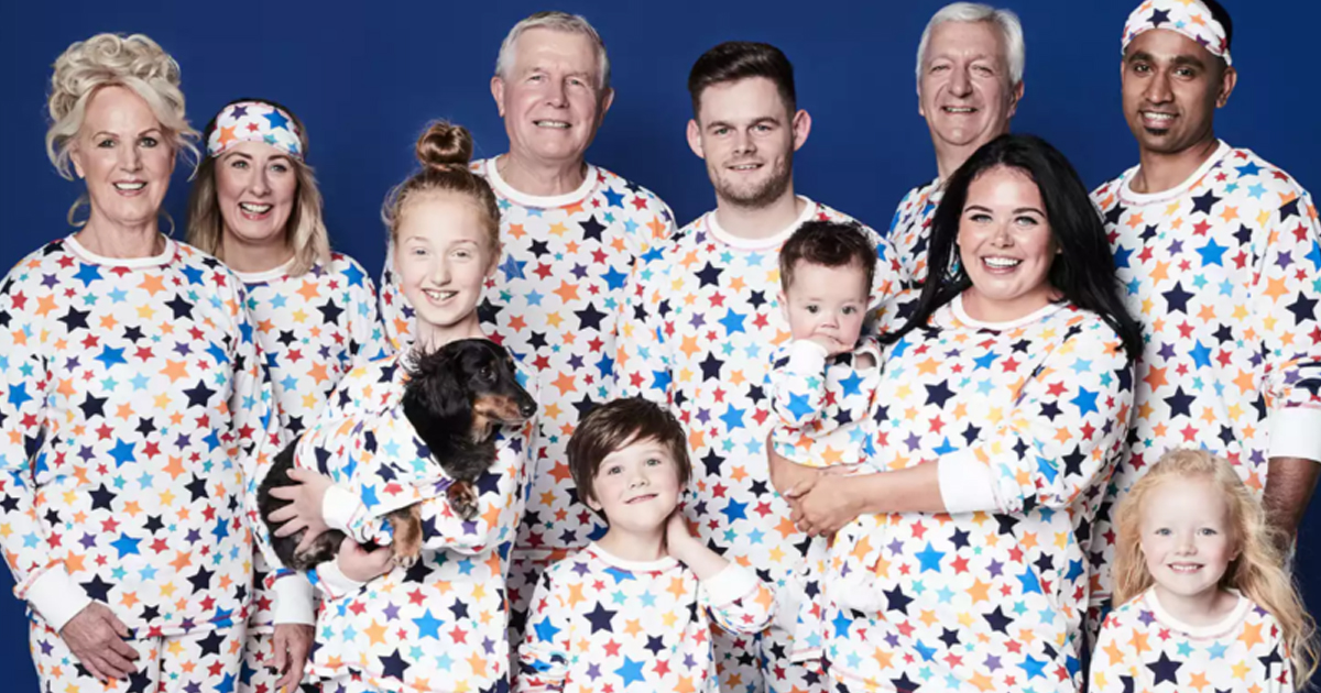 ggdgd.jpg - Fazer pijamas para toda a família, incluindo o cão, está virando moda