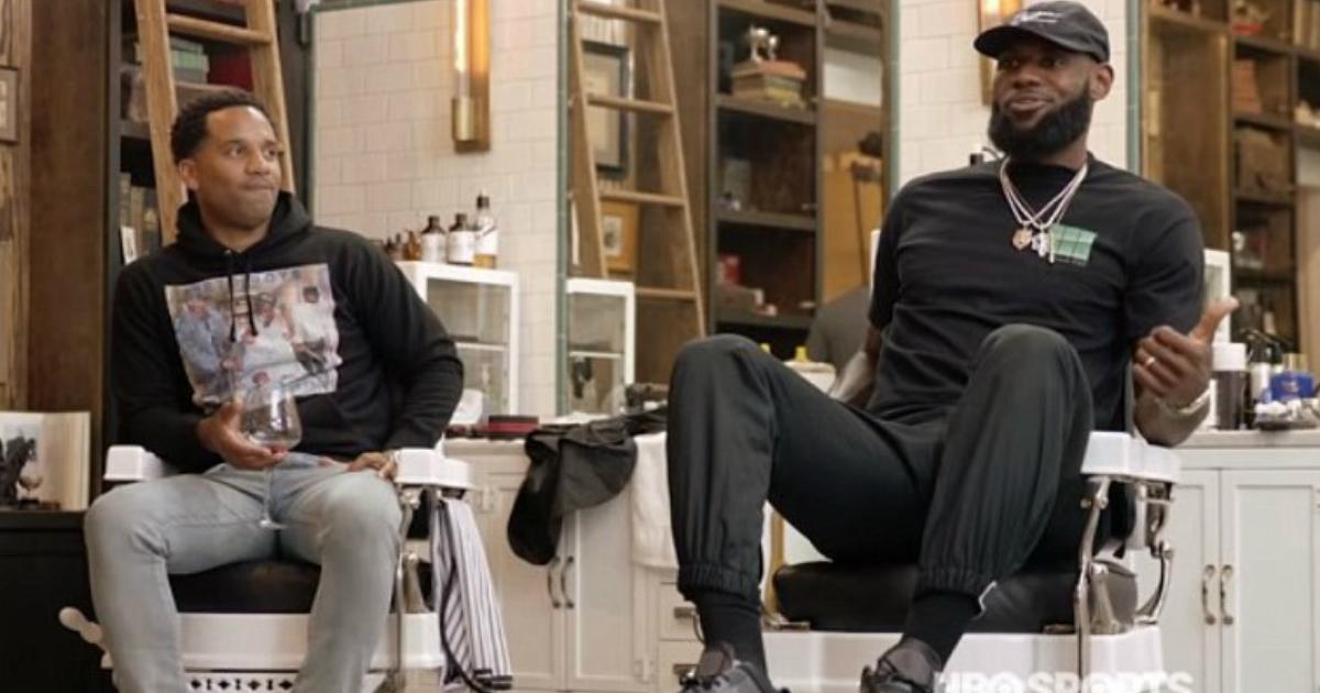 lebron 1.jpg - LeBron James a révélé qu'il avait du apprendre à faire confiance aux hommes blancs dans son lycée privé catholique