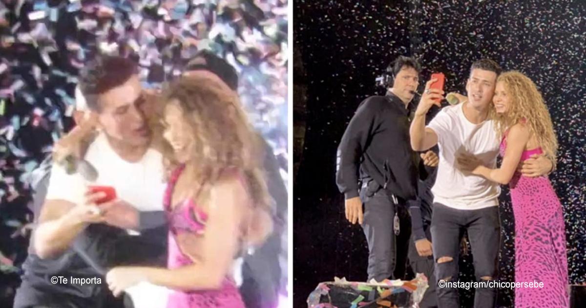 1 138.jpg - Shakira abrazó a un fan que logró burlar la seguridad para subir al escenario