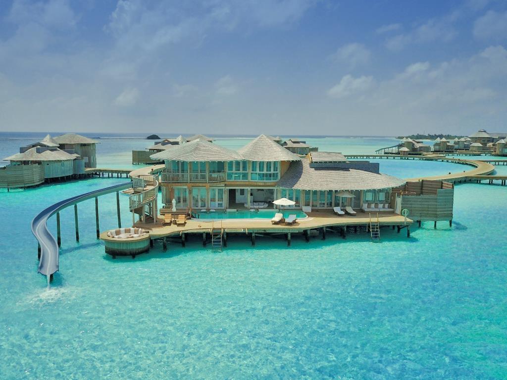 1255203 17083016180055852767.jpg - Quer trabalhar num resort 5 estrelas frequentado por celebridades nas Maldivas? Descubra aqui como!