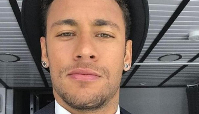 5b4239622beb3.jpeg - Neymar aparece com novo visual em treino da seleção: Cabelos mais claros e topete!