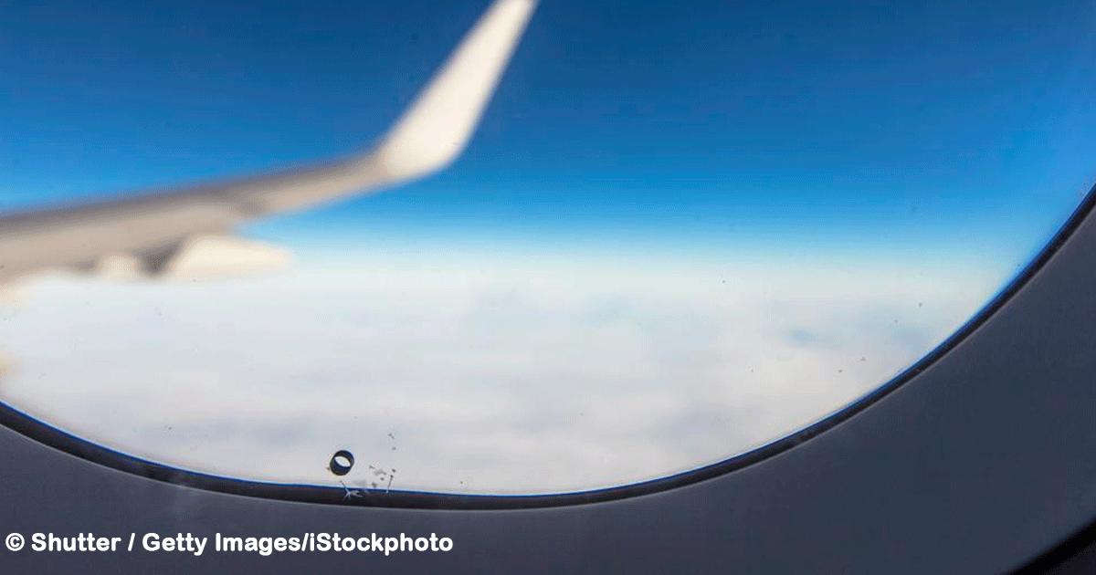 sin titulo 1 55.png - Revelamos para qué sirve el agujero en las ventanillas de los aviones