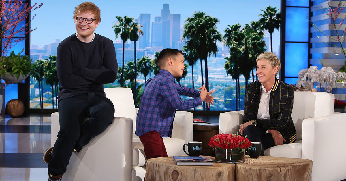 boy sings ed sheerans song on ellens show and has no idea ed is sitting behind him.jpg - Boy Sang Ed Sheeran's Song On The Ellen Show And Had No Idea The Singer Was Sitting Behind Him