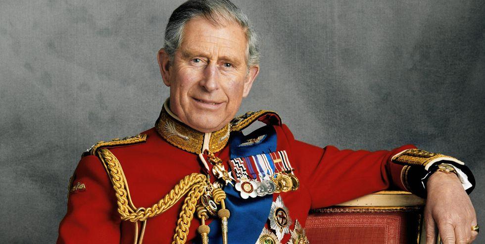 img 5be8c600cdbfc.png - 英國皇室超有「王子病」!?幫他擠牙膏、打電話叫人撿垃圾…千名員工揭露最任性的就是查爾斯王子啦