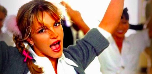 """img 5bfd7cfae3c97.png - Britney Spears célèbre les 20 ans de """" Baby One More Time """" avec un souvenir sur Instagram."""