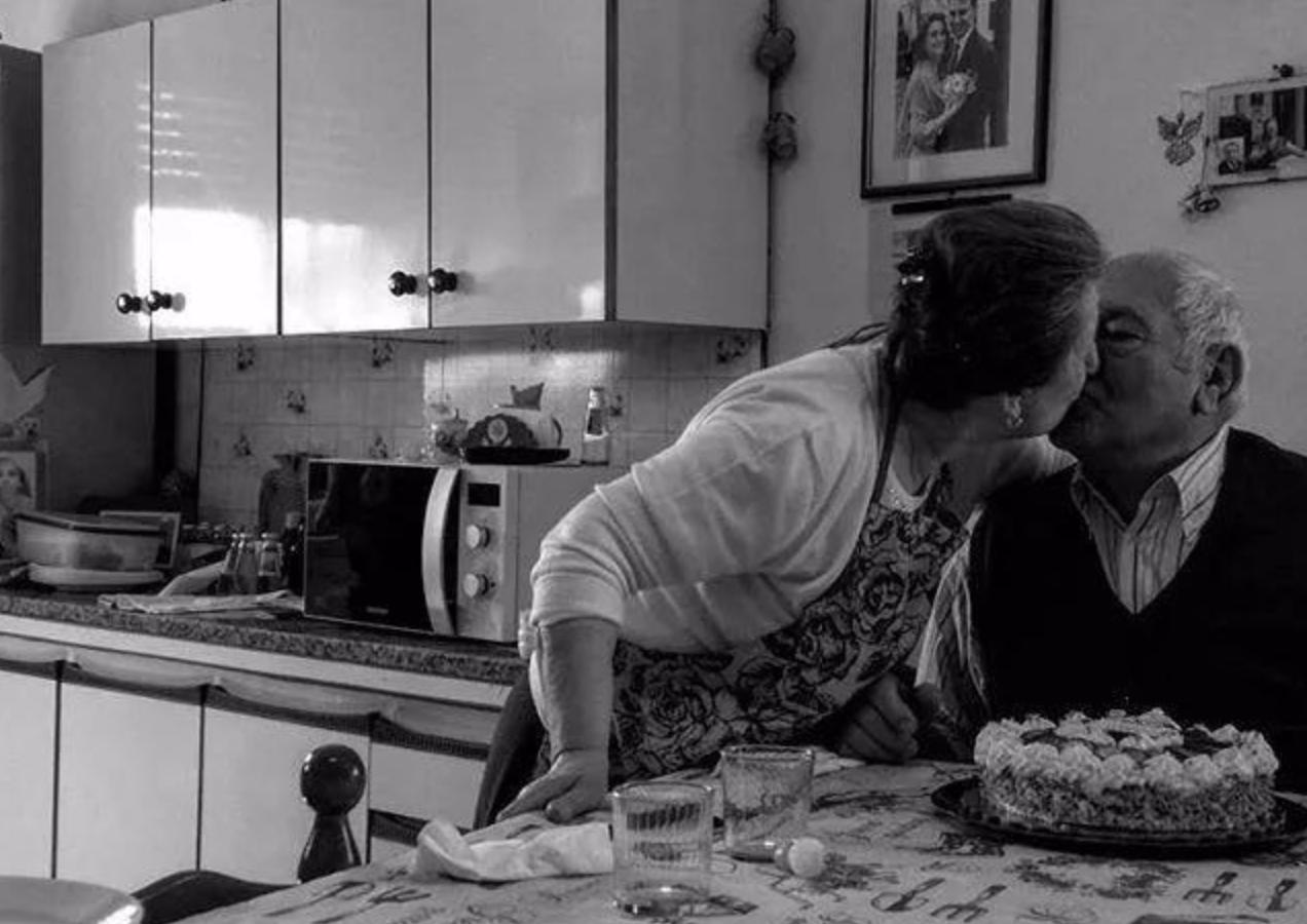screen shot 2018 11 14 at 7 36 15 pm.png - 相識6天就結婚,相戀73年!老夫妻做了這件「意想不到的事」