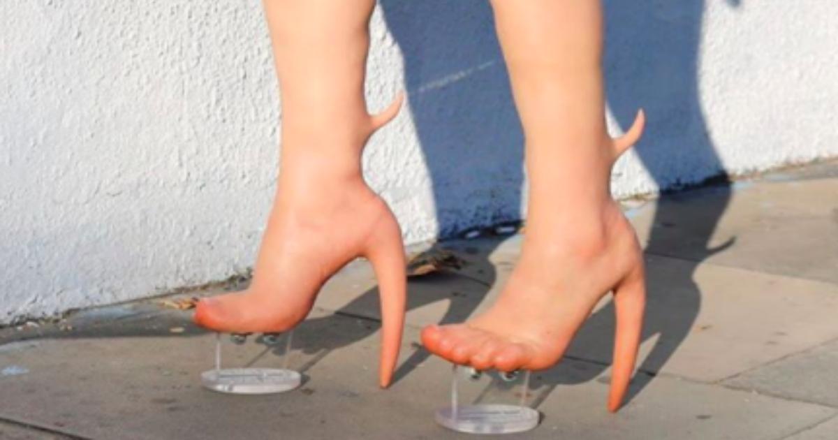 skinheal.png - 足とニーハイブーツが一体化した人体改造的「スキンヒール」、これってどうなってるの?