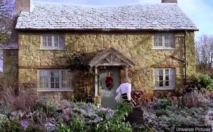 img 5c141c5f7ce22.png - Le cottage qui a inspiré le film de Noël 'The Holiday' est en vente
