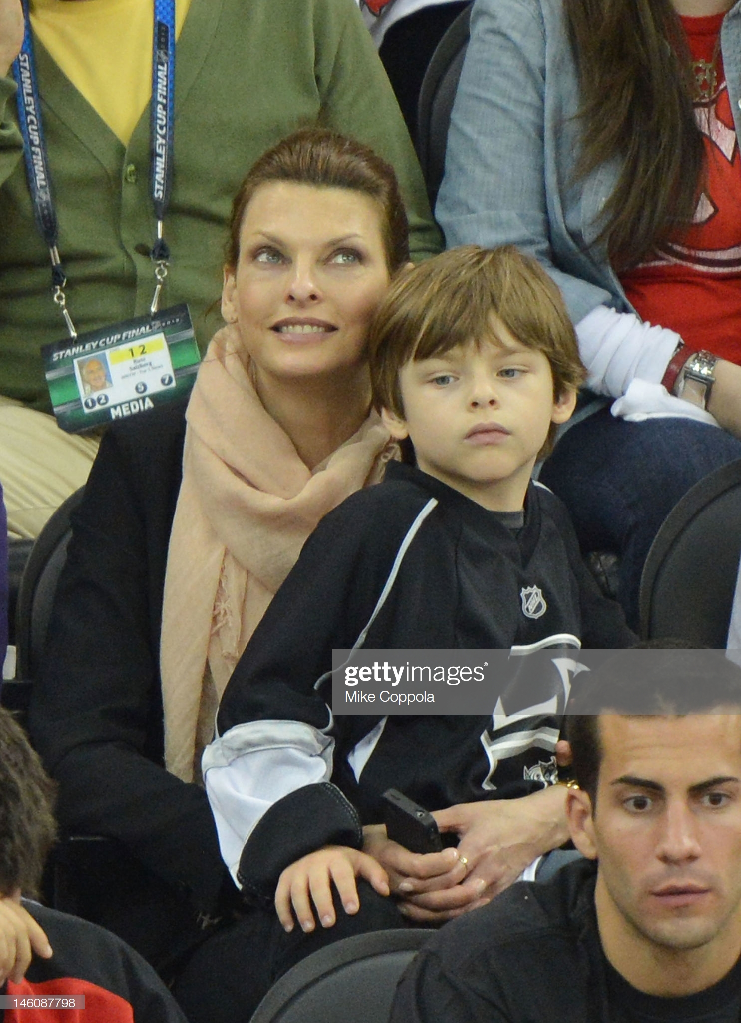 Celebrities Attend The 2012 Stanley Cup Final Game Five - June 9, 2012 : Fotografía de noticias