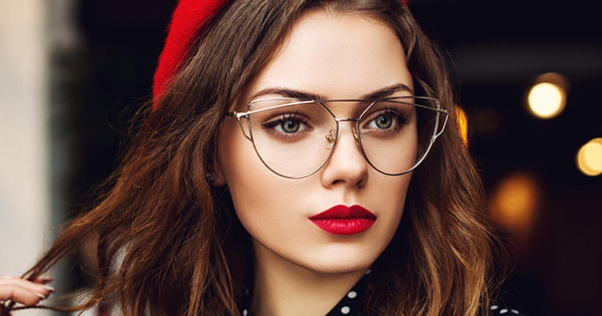 e18489e185a2 e18491e185b3e18485e185a9e1848ce185a6e186a8e18490e185b3 4.jpg - 9 Trucos de maquillaje que te harán lucir radiante si usas lentes