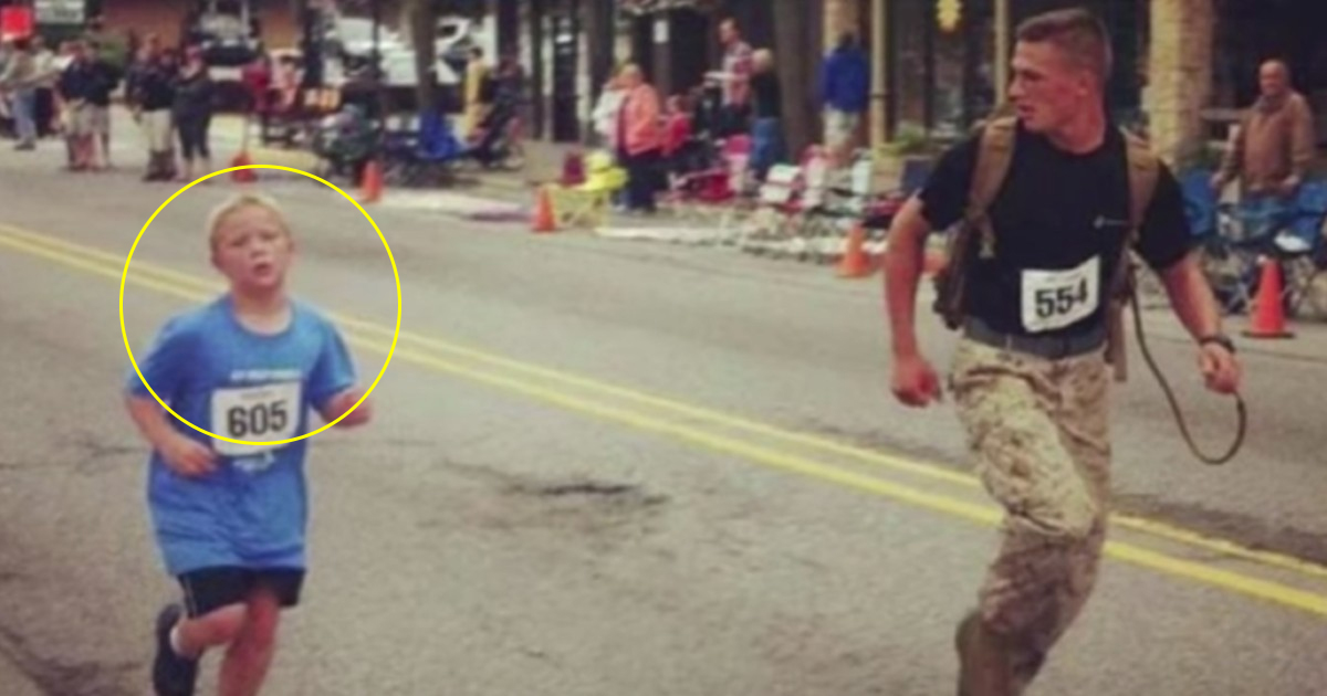a 3.jpg - Amazing Moment When A Marine Helped A Boy Who Got Separated From His Friends In Marathon