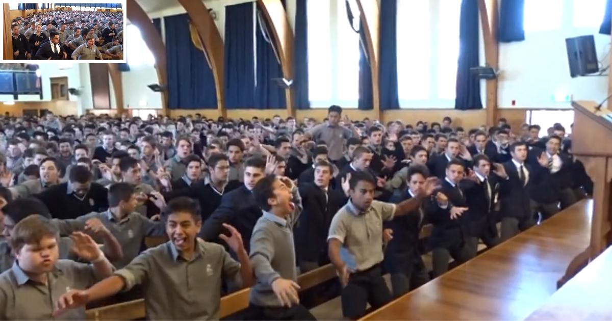 """d3 8.png - Les élèves font un """"haka"""" dans un superbe hommage pour le conseiller d'orientation du lycée"""