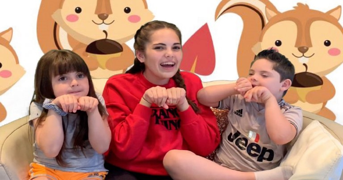 s3 3.jpg - Incredible Teen Girl Taught Herself Sign Language To Help Her Younger Brother Who Has Down Syndrome