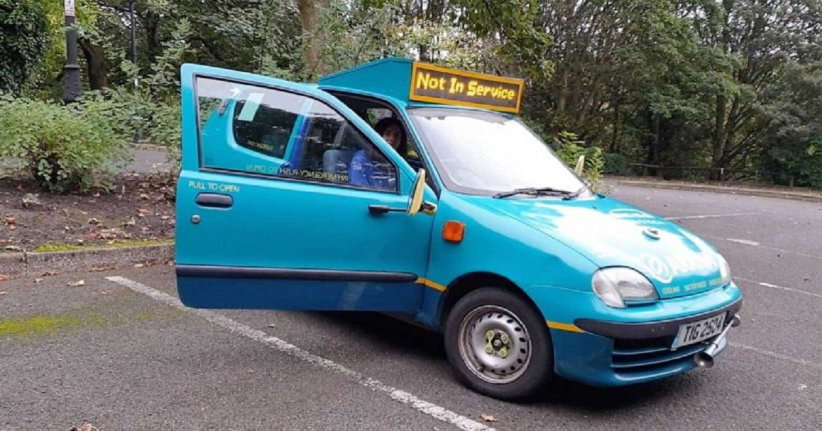 b3 6.jpg - Bus Enthusiast Customized A Four-Seater Hatchback Into Britain's Smallest Bus