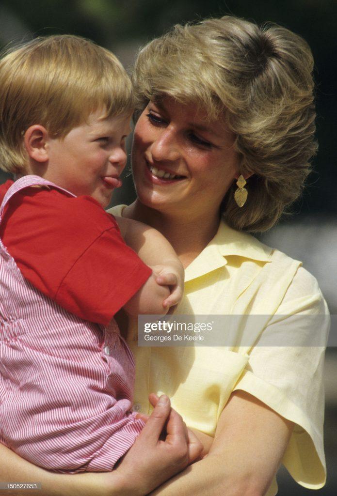 Diana and Harry : News Photo