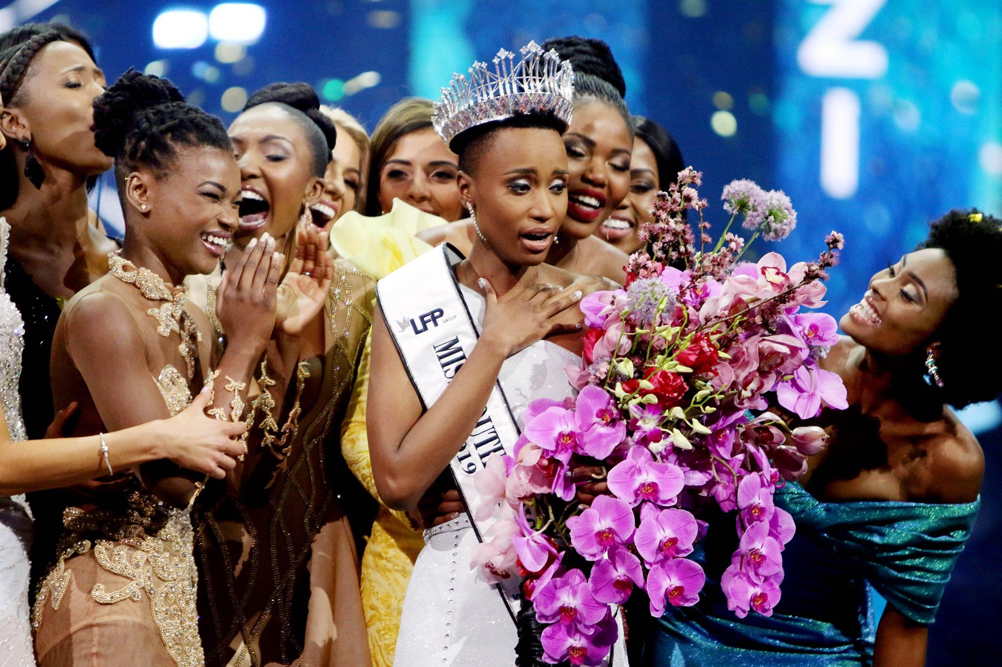 miss univers.jpg - Miss Univers : Zozibini Tunzi est la première candidate noire aux cheveux crépus à gagner le concours