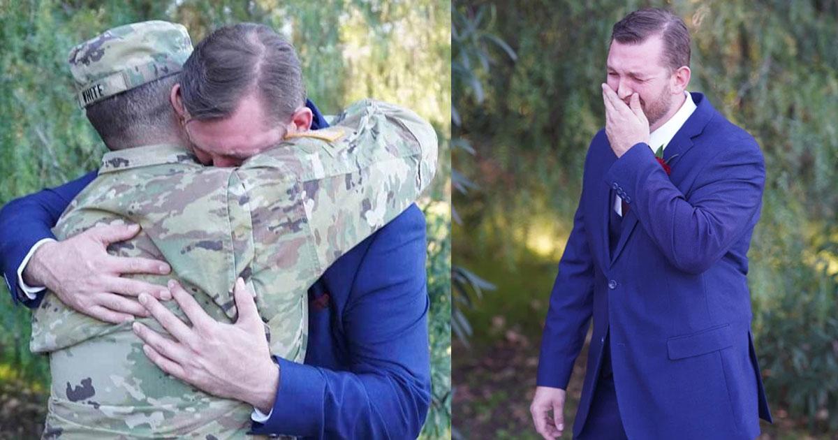 groom amazed to see his best friend who was supposed to be deployed on his wedding day.jpg - Le marié se met à pleurer en voyant son meilleur ami qui était censé être déployé le jour de son mariage
