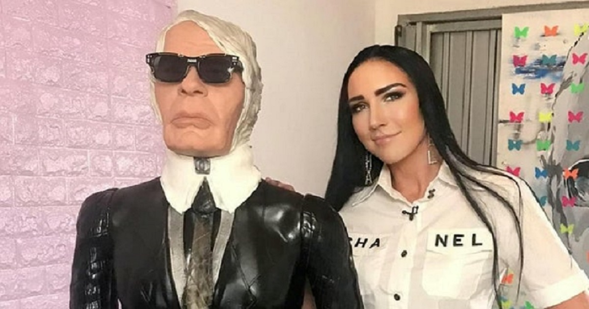 c3 5.jpg - Confectionery Artist Took 11 Days To Build The Life-Sized Karl Lagerfeld Cake