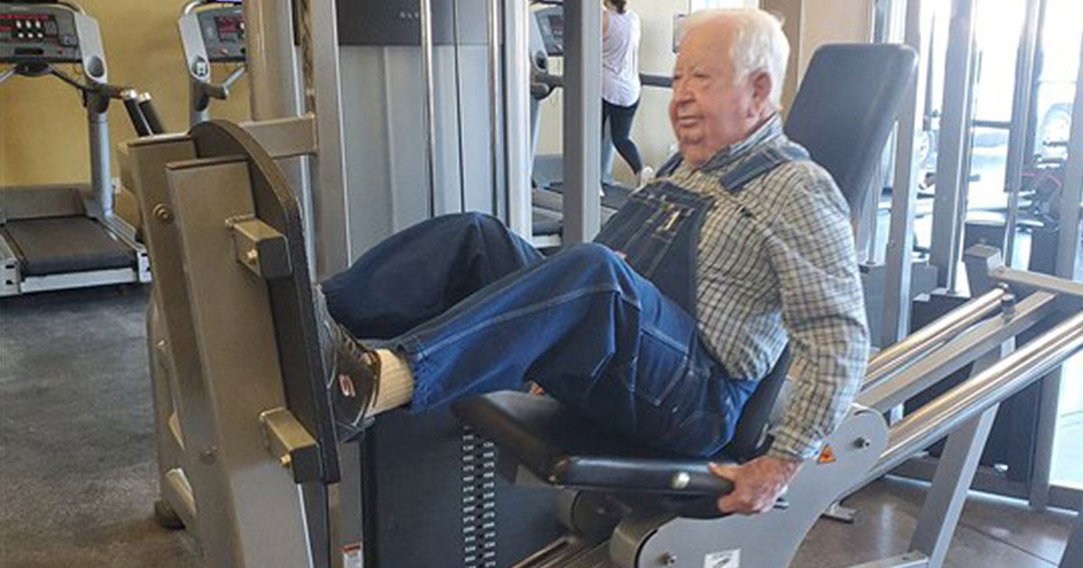 elderly man shows up to the gym three times a week in his denim overalls to work out.jpg - A 91-Year-Old Man Shows Up To The Gym Three Times A Week In His Denim Overalls To Work Out